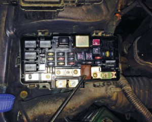 2008 Honda Civic Starter Relay Location likewise Honda Electrical System Diagnostics moreover 2003 Honda Civic Door Diagram also 742531057282559939 likewise Honda Accord Fuse Box Diagram 374841. on honda civic fuse box problem